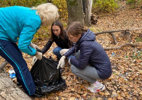 Осень - пора наводить чистоту и порядок в городе
