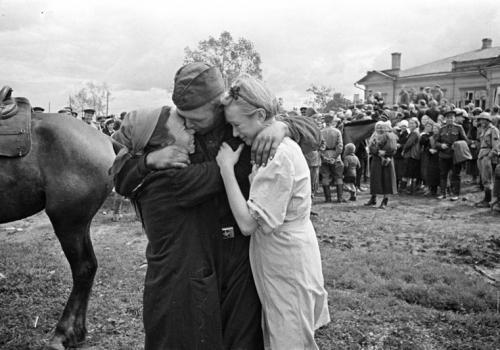 Архив Каменска-Уральского просит горожан поделиться воспоминаниями
